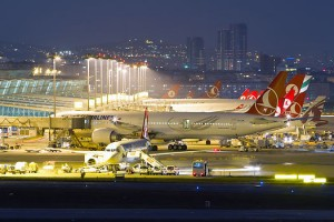 ataturk-airport-at-night_pics248-24864